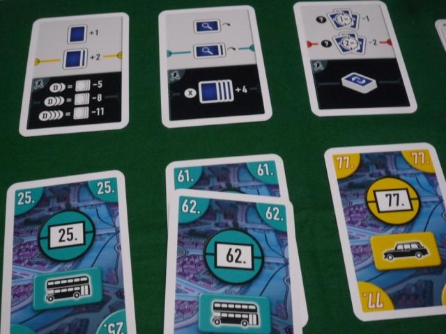 手札からカードプレイ